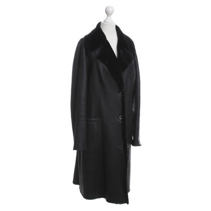 Marc Cain Schapenvacht jas in zwart