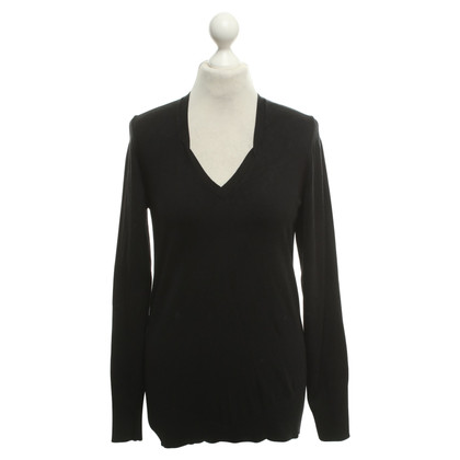 Hugo Boss Sweater in black