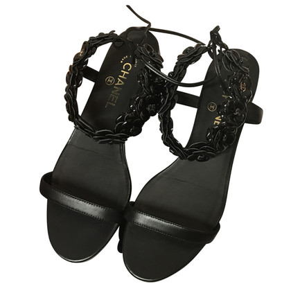 Chanel Chanel camelia flat sandals