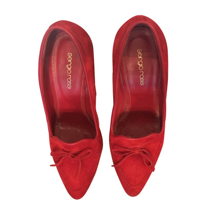Sergio Rossi pumps in rood suede