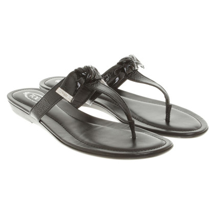 Tod's Flip Flops in Black