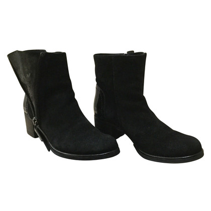 Maliparmi Blacks Ankle Boots Suede