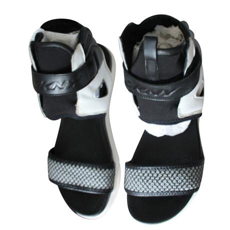 Exklusive Verkauf Online Zum Verkauf Preiswerten Realen DKNY Sandaletten Schwarz Billig Einkaufen Rabatt Zahlen Mit Paypal Billig Verkauf Niedriger Preis 9m6XRX2d