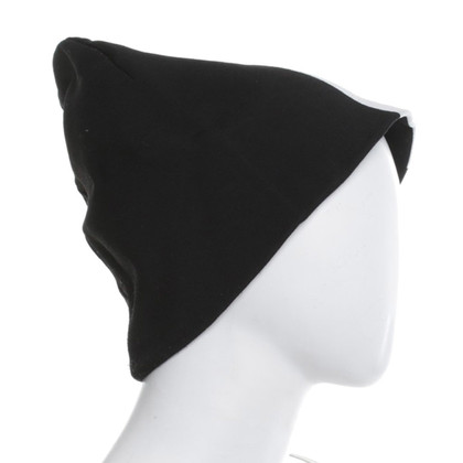 H&M (designers collection for H&M) Cap en noir / blanc