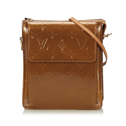 Louis Vuitton Pochette from Monogram Vernis