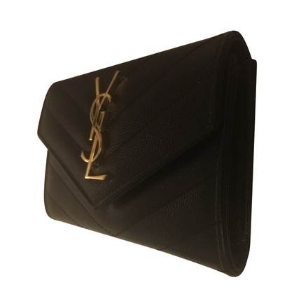 Yves Saint Laurent Leather purse