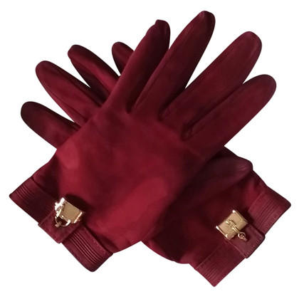 Hermès Gloves with gold plated pendant