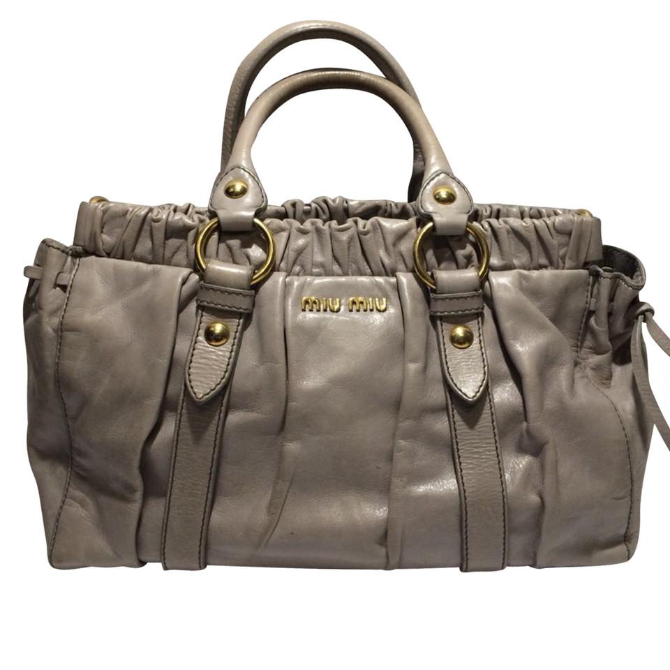 miu miu handtasche second hand miu miu handtasche gebraucht kaufen f r 299 00 2454146. Black Bedroom Furniture Sets. Home Design Ideas