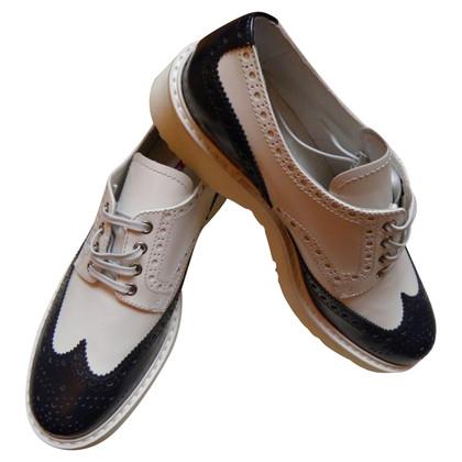 Prada Le scarpe con modello di pizzo