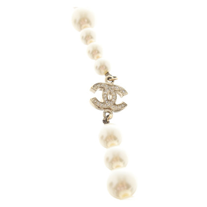 Chanel Pearl Necklace with logo items
