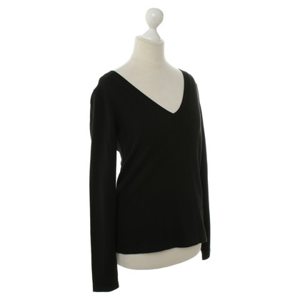 Escada Cashmere sweater in black