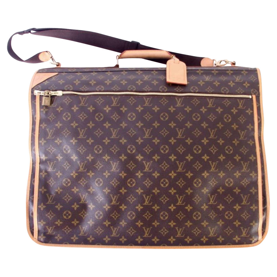 louis vuitton clothes bag buy second hand louis vuitton clothes bag for 1. Black Bedroom Furniture Sets. Home Design Ideas