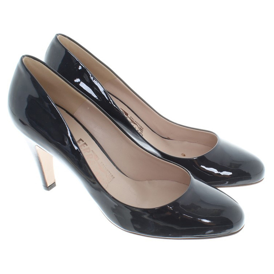 Salvatore Ferragamo pumps made of lacquered leather