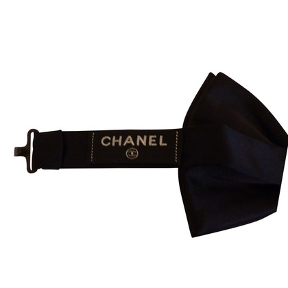 Chanel mosca nera