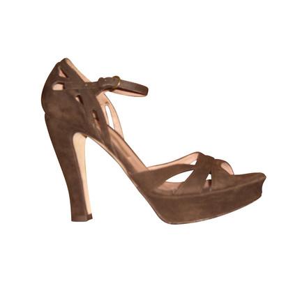 Pura Lopez Dark brown suede of peep-toes