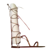 Valentino sandales Rockstud dans le style romain