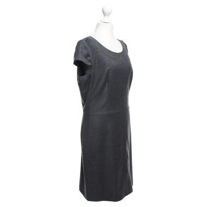 Hugo Boss grijze jurk schede