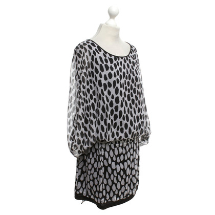 Diane von Furstenberg Dress in black and white