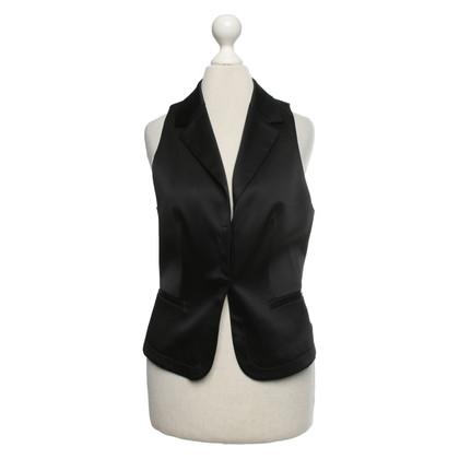 Schumacher Vest in black