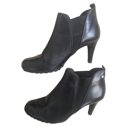 Clarks Ankle boots round face