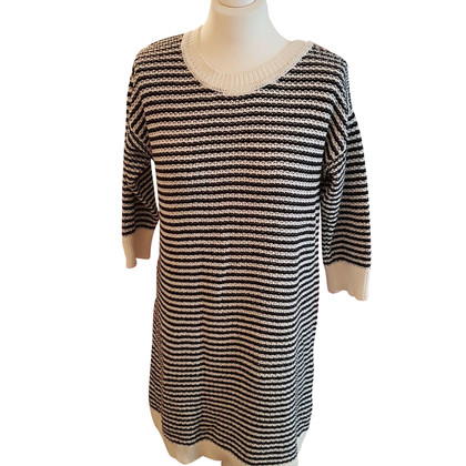 Closed Knit dress with stripe pattern