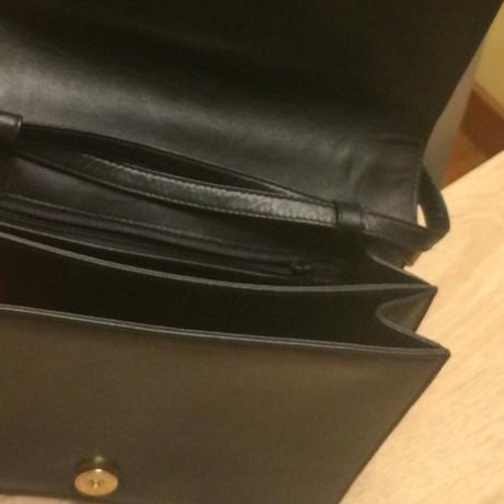Freies Verschiffen Heißen Verkauf Verkauf Verkauf Online Valentino Umhängetasche aus Leder Schwarz Rabatt Mit Kreditkarte wuYIjvme