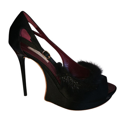 Nina Ricci pumps with fur trim