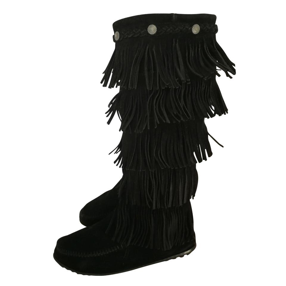 minnetonka stiefel mit fransen second hand minnetonka stiefel mit fransen gebraucht kaufen f r. Black Bedroom Furniture Sets. Home Design Ideas