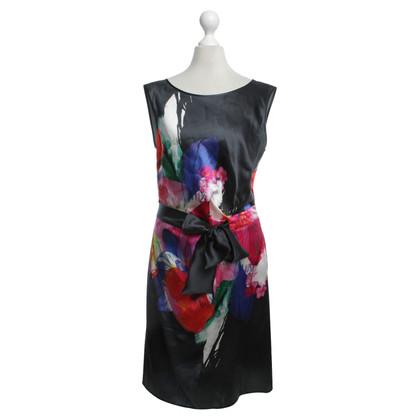 Luisa Cerano zijden jurk met bloemmotief
