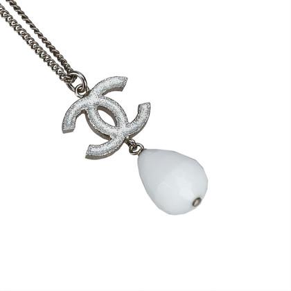Chanel Collana con pendente CC