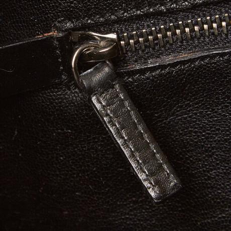 2018 Unisex Online Prada Schultertasche aus Lackleder Schwarz Offizielle Seite Zum Verkauf Günstig Online Auf Der Suche Nach 5QGe1n