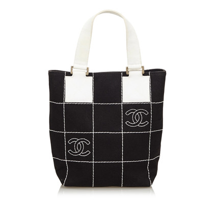 Chanel Handbag in black and white