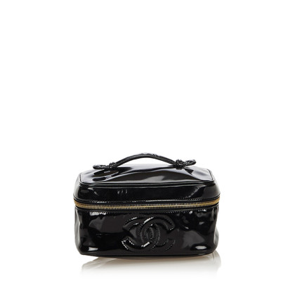 Chanel Beauty Case made of patent leather