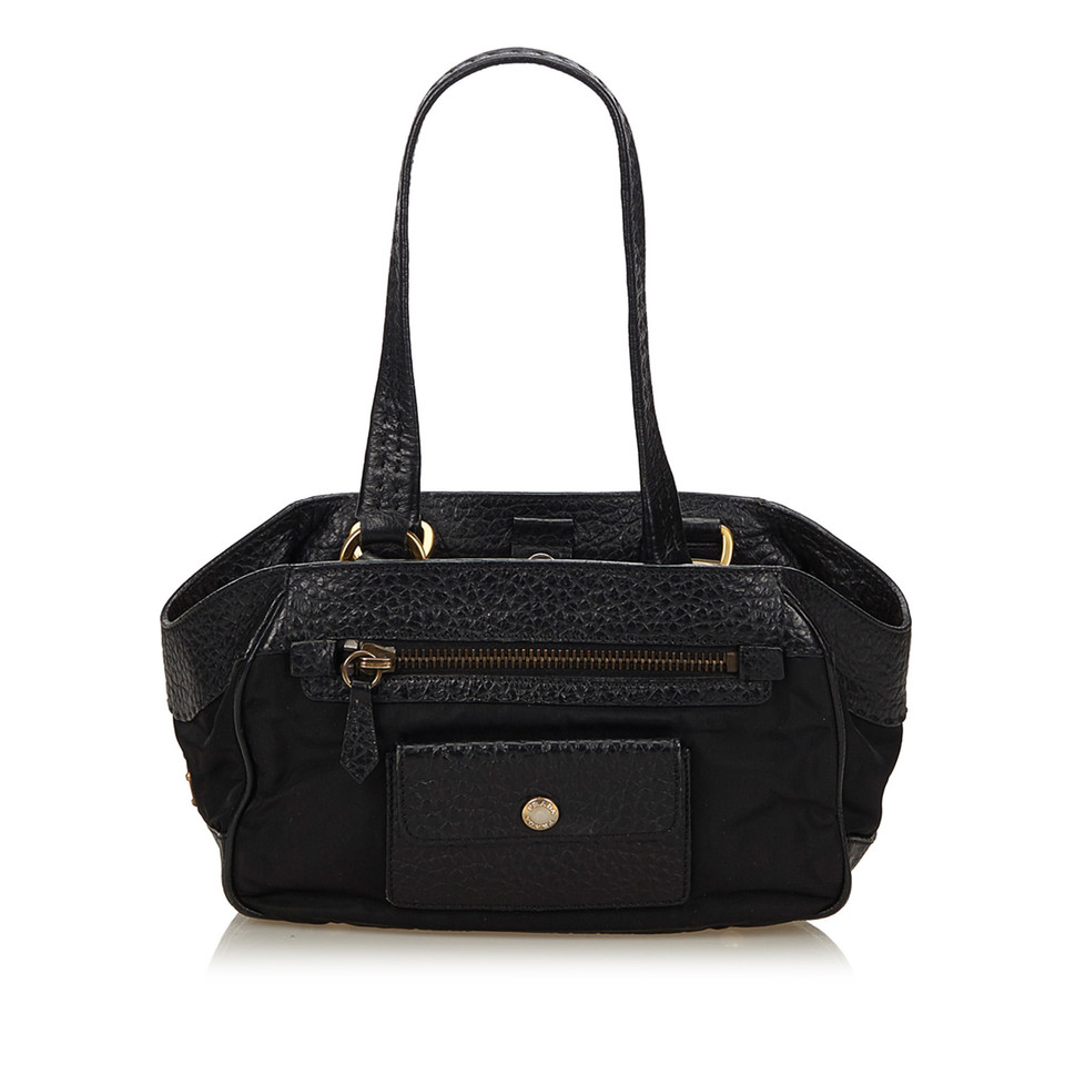 prada schultertasche in schwarz second hand prada. Black Bedroom Furniture Sets. Home Design Ideas