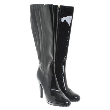 Valentino Stiefel aus schwarzem Lackleder Schwarz
