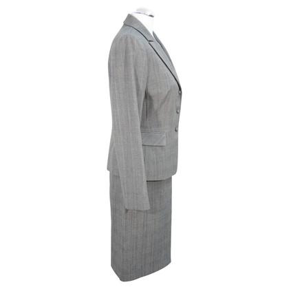 Tahari Kariertes Kostüm in Grau