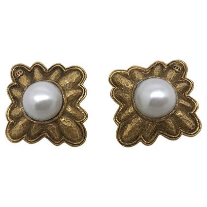 Chanel Large golden metal vintage earrings