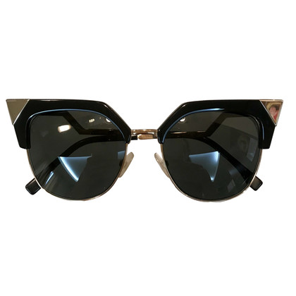 Fendi Sunglasses in black