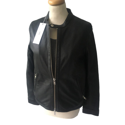 Closed Jacket made of leather