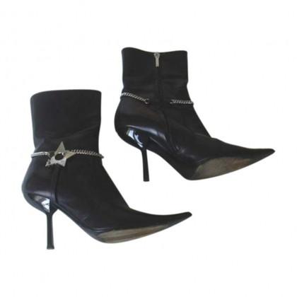 Christian Dior Enkellaarzen in zwart