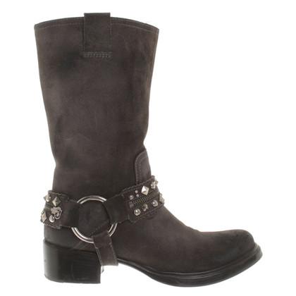 Miu Miu stivali di camoscio in grigio