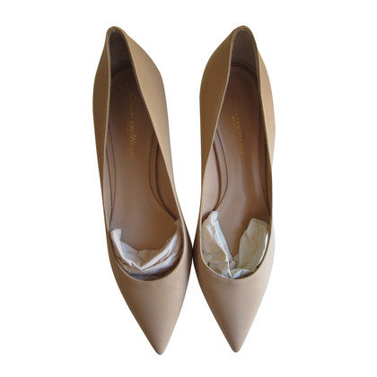 Gianvito Rossi pumps in Nudo