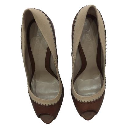 Alexander McQueen Peep-toes in brown
