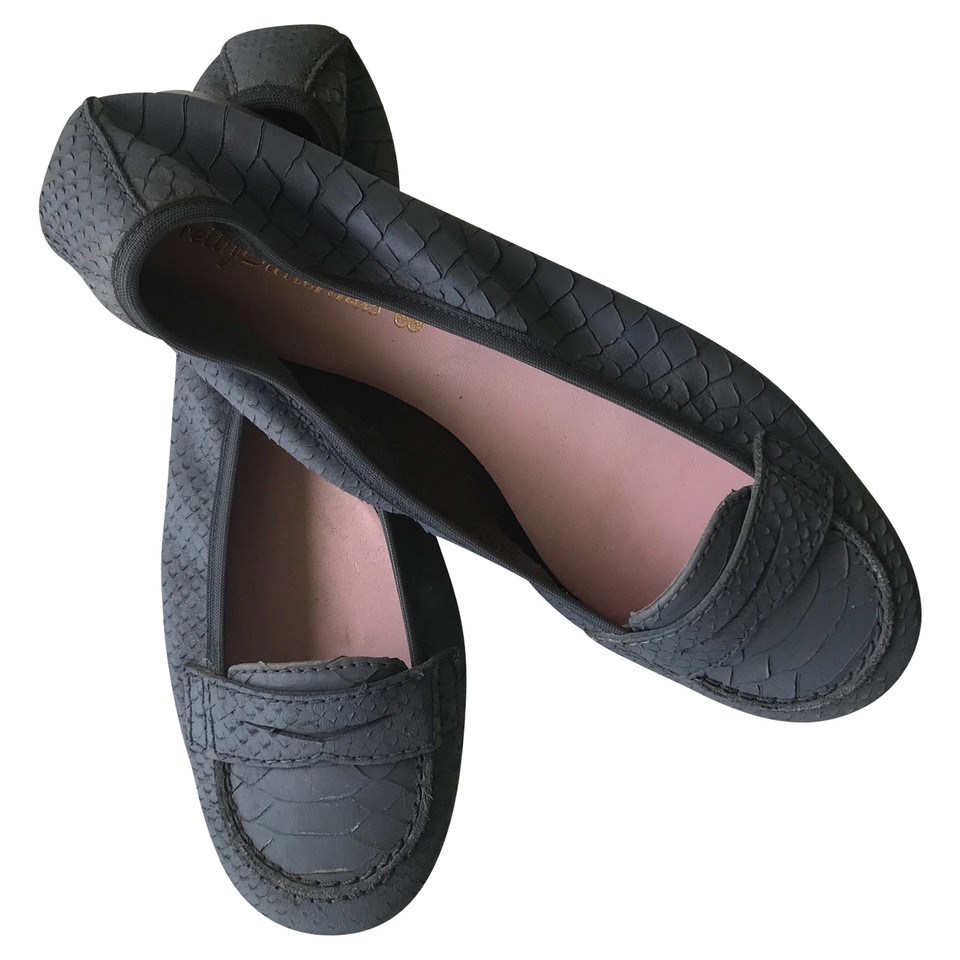 Pretty Ballerinas Ballerinas in grey