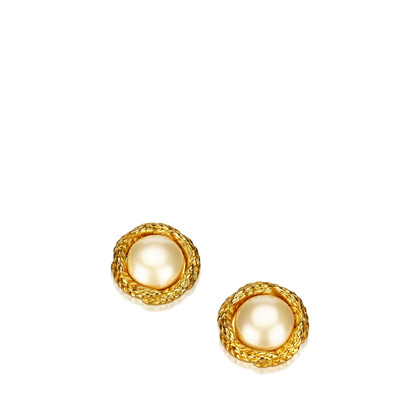 Chanel Gold colored ear clips with pearl