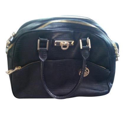 Donna Karan Handbag in black
