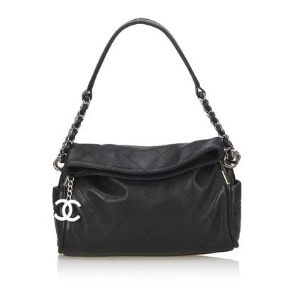 Chanel Schultertasche in Schwarz