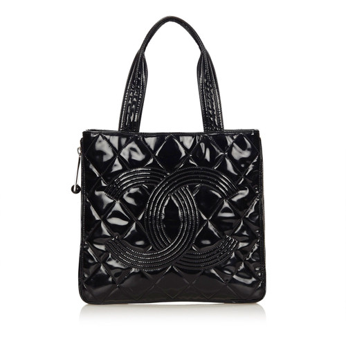 s medallion black tote chanel yoogi leather caviar closet quilted handbags bag