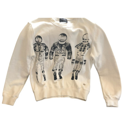 Chanel sweater