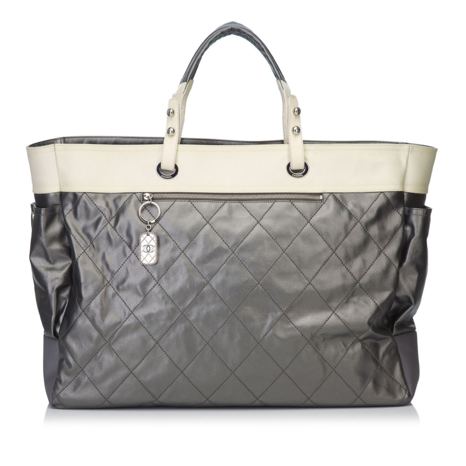 befa96a43570 Second Hand Chanel Handbags Paris | Stanford Center for Opportunity ...
